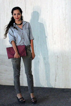 army green Forever 21 jeans - light blue Levis shirt - magenta vintage bag