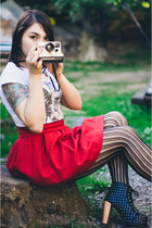 ruby red cotton Zara skirt - black leather boots - white cotton Street t-shirt