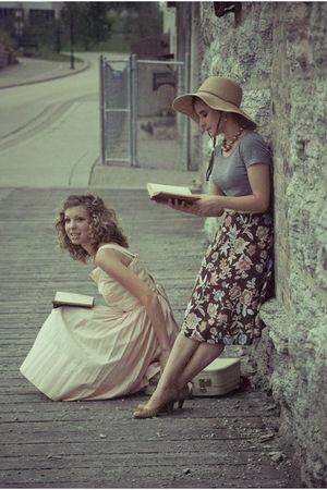 pink vintage dress - white vintage necklace - beige vintage accessories