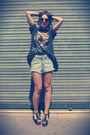 Vintage-shorts-vintage-t-shirt-jeffrey-campbell-sandals