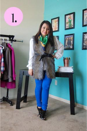 blue JCPenney jeans - navy vintage scarf - black Steve Madden heels