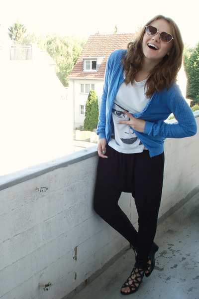 blue cardigan - white DIY shirt - black Amisu pants - black bronx shoes - gold H