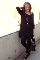 black H&M shirt - black H&M leggings - black bronx shoes - black sovalli purse