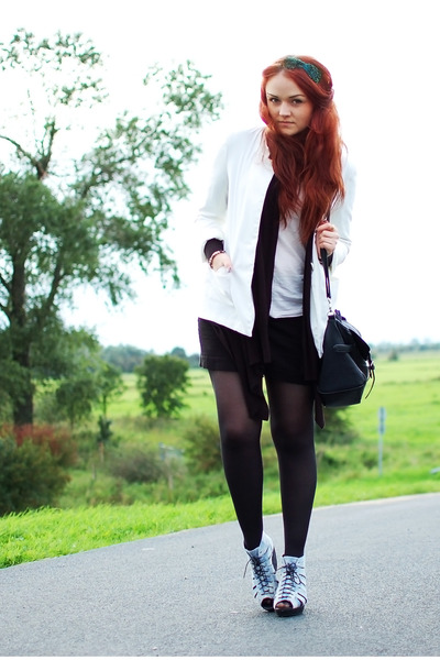 periwinkle vagabond wedges - ivory H&M blazer - black TK Maxx bag