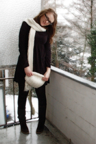 black Esprit dress - brown SOliver boots - white H&M hat - white H&M scarf