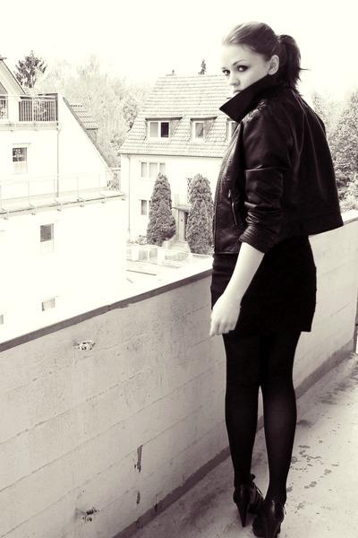 black H&M jacket - gray H&M t-shirt - black H&M skirt - brown scarf