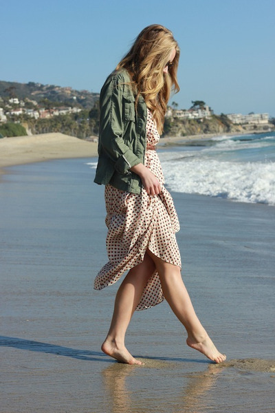 ivory floral H&M dress - tan perfect day Karen Walker sunglasses