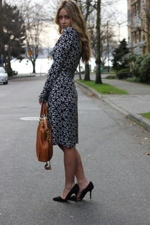 black wrap Diane Von Furstenberg dress - tawny coach bag