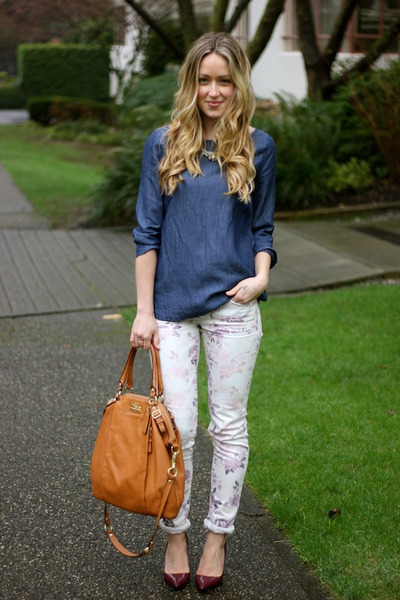 bubble gum printed American Eagle jeans