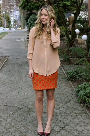 nude blouse madewell shirt - crimson pumps shoemint heels