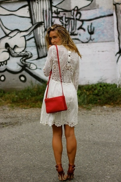 white lace Dolce Vita dress