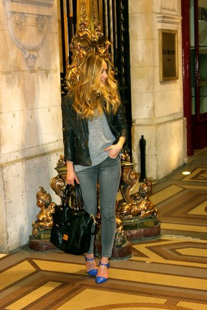 charcoal gray jeggings American Eagle jeans - black leather Muubaa jacket