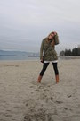Brown-leather-aldo-boots-army-green-cotton-aritzia-jacket-gray-lululemon-tig