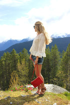 white lace free people top - blue boyfriend American Eagle shorts