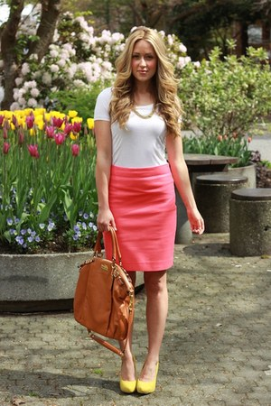 hot pink pencil Jcrew skirt - yellow suede Forever 21 heels