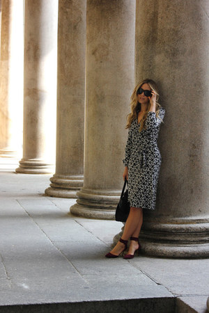 gray wrap dvf dress