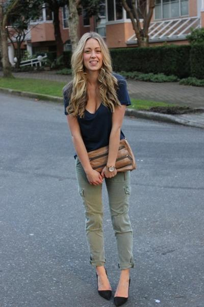 navy cotton Style Mint shirt - camel zipper clutch Rebecca Minkoff bag