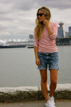 navy boyfriend American Eagle shorts
