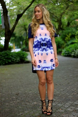 blue shift Finders Keepers dress