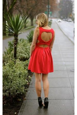 red heart detail Windsor Store dress