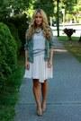 Heather-gray-tee-zara-shirt-tawny-leopard-steve-madden-heels