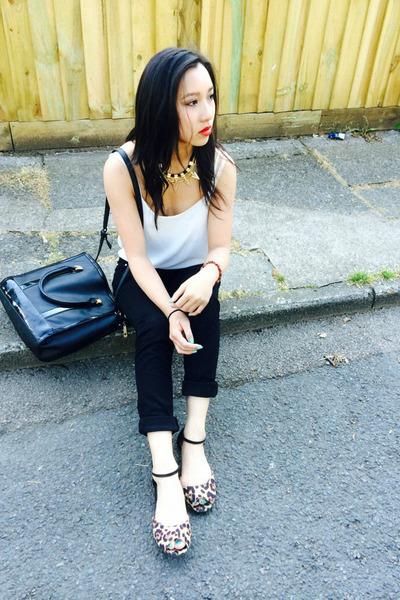 black denim Primark jeans - black box new look bag