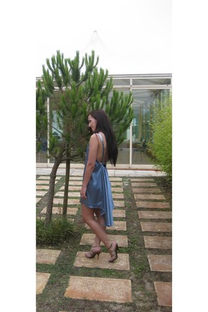 silver blue backless dress