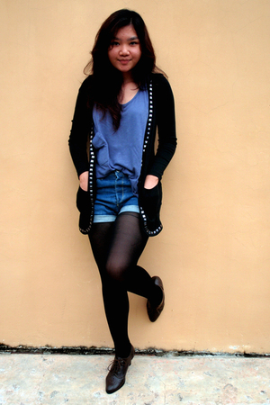 black shopstyle claverra cardigan - purple Gaudi top - blue Levis shorts - brown