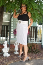 Secondhand skirt - Etsy belt - Arianne intimate - Target shoes - Secondhand neck