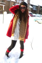 red vintage coat - white Victorias Secret dress - black Forever 21 shoes - red U