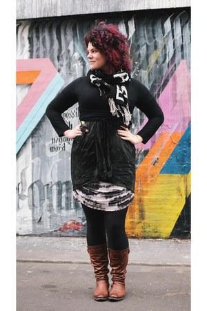 Merchant boots - Religion dress dress - Witchery skirt