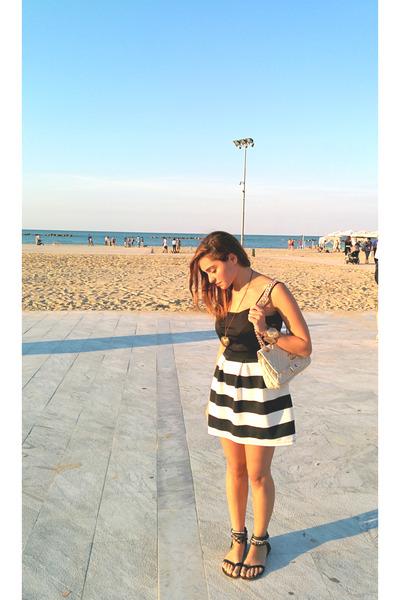 black striped Primark skirt - beige Chanel bag