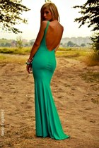 turquoise blue No1 dress - gold No1 accessories