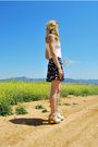 Blue-blanco-shorts-white-stradivarius-top-white-topshop-clogs-shoes