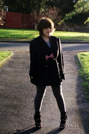 black vintage blazer - gray Primark dress - gray H&amp;M leggings - black Primark sh