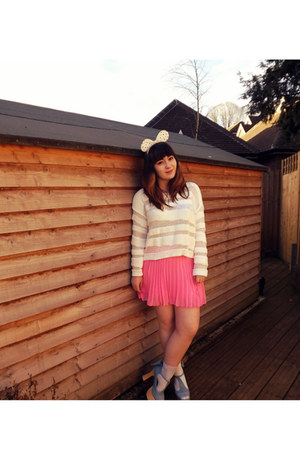 white Monki sweater - white H&amp;M socks - bubble gum H&amp;M skirt