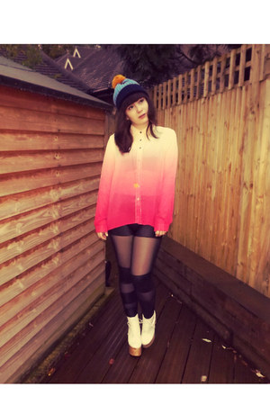 hot pink goldie shirt - carrot orange asos hat - black OASAP leggings