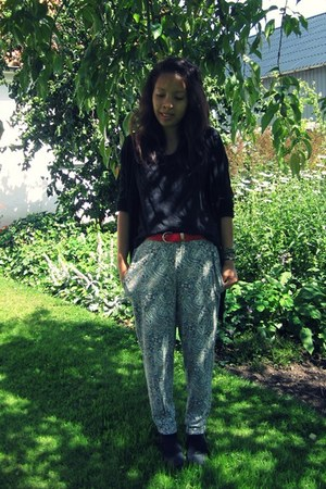 H&M cardigan - H&M pants - Monki top - Defeeter wedges - vintage belt