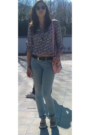 Pepe Jeans leggings - Converse bag - El Charro sunglasses - Gucci belt - Mango t