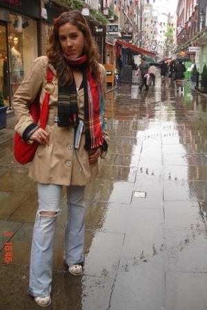 Present coat - juan blanco purse - kikoy scarf - pull and bear ripped by myself