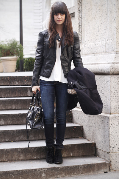 Black-velvet-boots-navy-jeans-black-leather-jacket-white-top