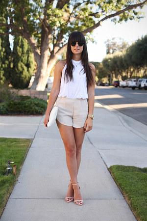 peach shorts - white top - tan heels