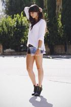 black leather shorts - white v neck Zara sweater - black heels - gold necklace