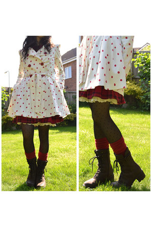 ruby red knee-high Primark socks - dark brown lace-up suede Rockport boots