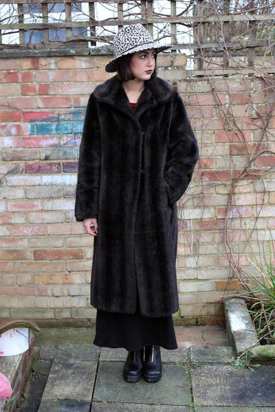 camel leopard print Topshop hat - black leather vagabond boots