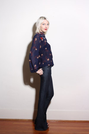 navy bell bottom Paige jeans - navy pleated paisley vintage blouse - brown Cynth