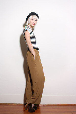black vintage hat - brown Chanel pants