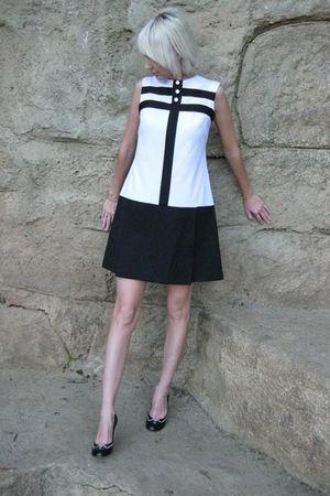 white vintage from Castaway Vintage dress - black Marc Jacobs shoes