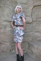 beige Lisa Jo dress - black Justin boots - brown vintage belt