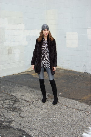 black faux fur LARK coat - black suede Ivanka Trump boots